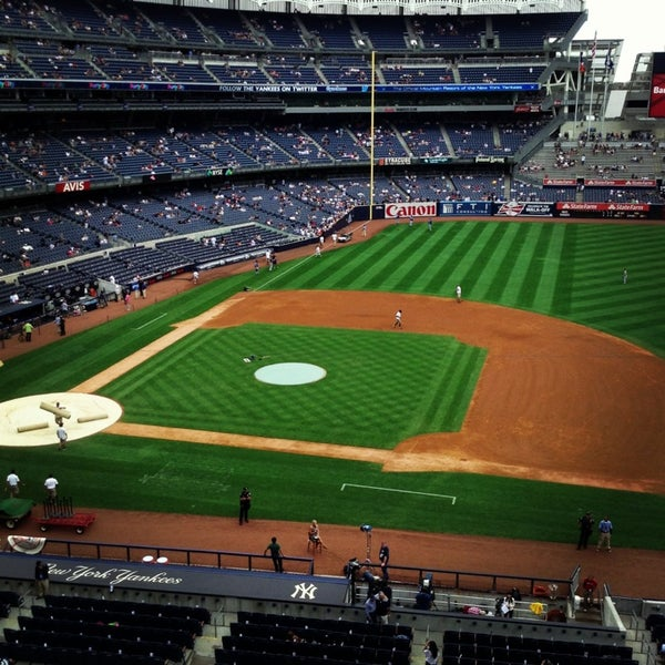 Photo taken at Yankee Stadium by Takehiko T. on 7/28/2013