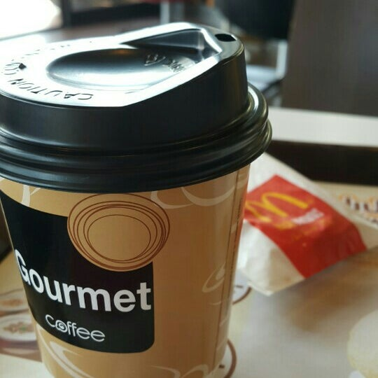 Photo taken at McDonald's (แมคโดนัลด์) by Vasan M. on 5/18/2015