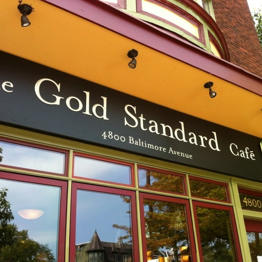 Photo taken at Gold Standard Cafe by LVRIII on 9/1/2012