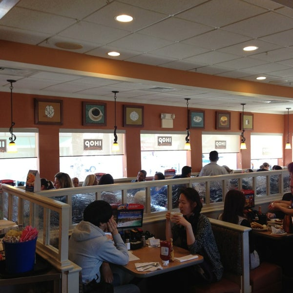 Photo taken at IHOP by Anna R. on 4/2/2013