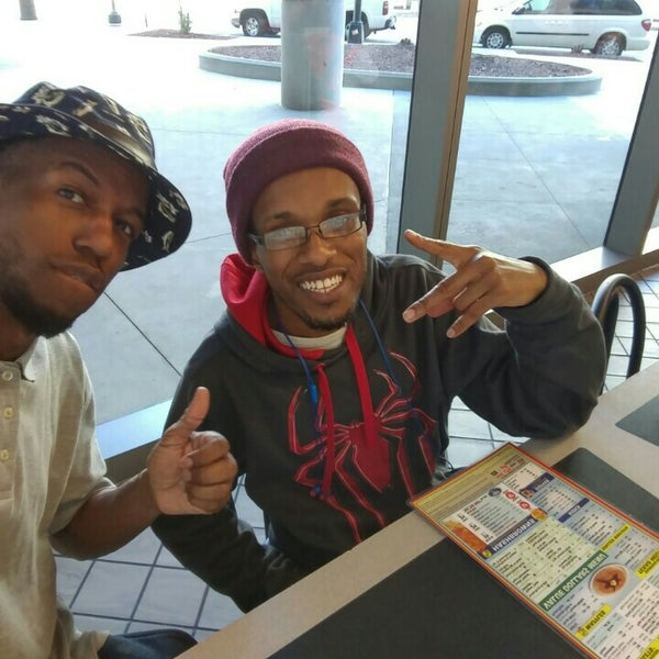 Photo taken at Waffle House by Syon on 5/14/2016