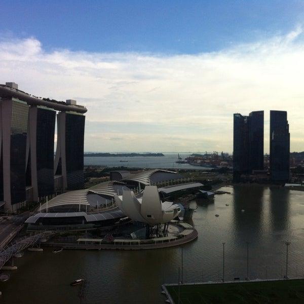 Photo taken at The Ritz-Carlton Millenia Singapore by Tom B. on 9/8/2013