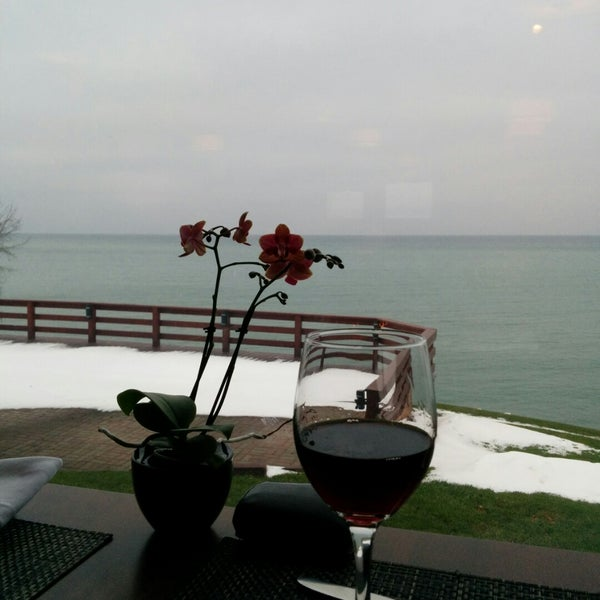 Photo taken at Lake House Restaurant by Joel M. on 12/13/2014