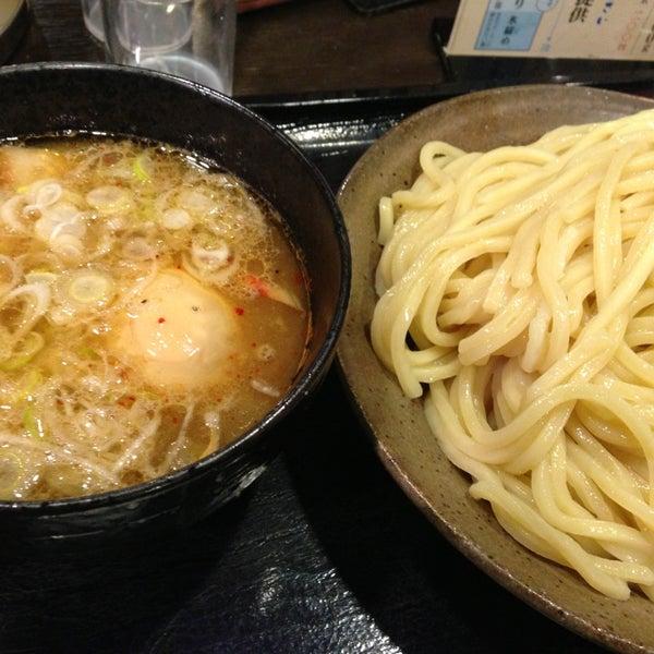 Photo taken at 三ツ矢堂製麺 下北沢店 by Mikan M. on 1/24/2014