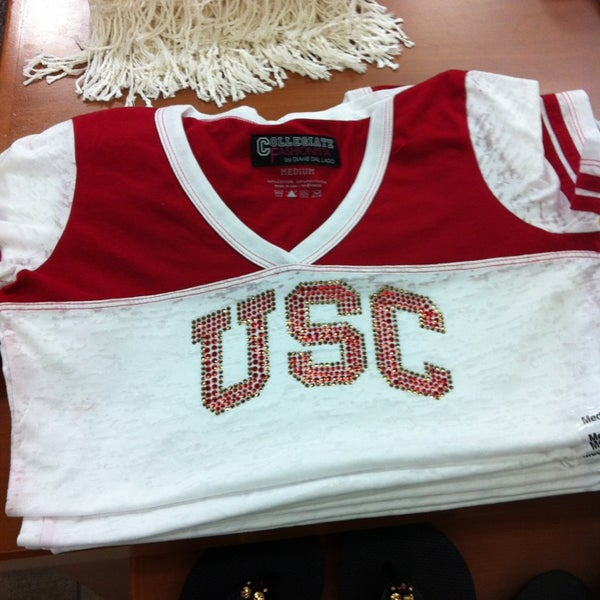 Photo taken at USC Bookstore (BKS) by Vincent P. on 6/12/2013