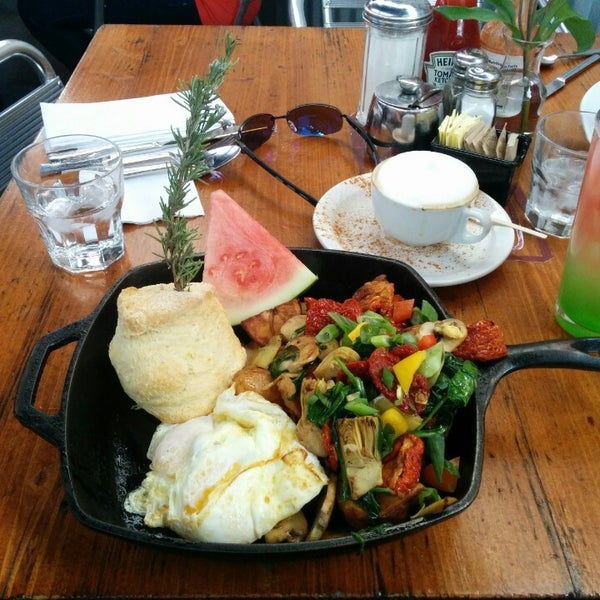 Photo taken at Hash House a Go Go by Jake on 2/15/2014
