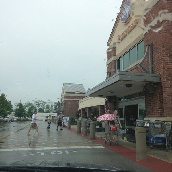 Photo taken at Kroger by Tammy R. on 8/3/2013