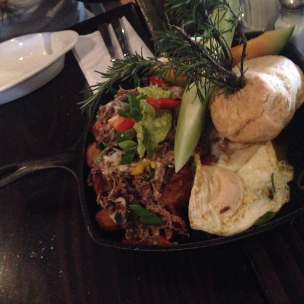 Photo taken at Hash House a Go Go by Meshal A. on 2/22/2014
