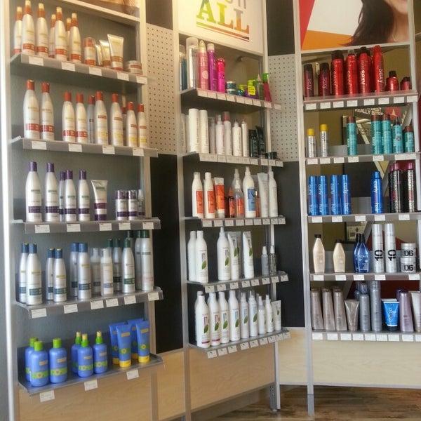Great clips salon barbershop in newbury park for 10 newbury salon