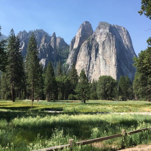 Where's Good? Holiday and vacation recommendations for Yosemite National Park, United States. What's good to see, when's good to go and how's best to get there.