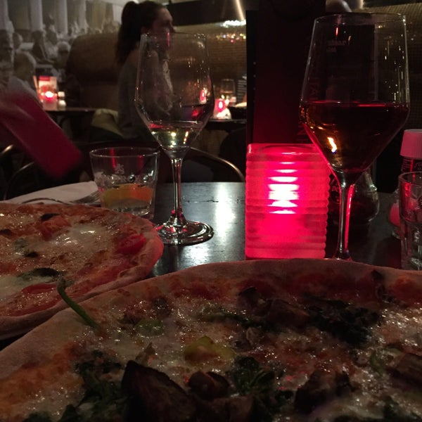Photo taken at Very Italian Pizza by JacolienK on 3/29/2016