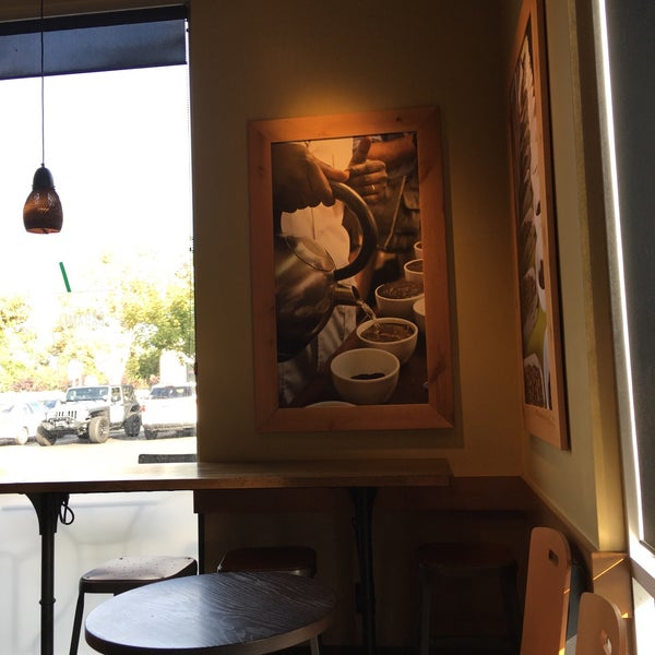 Photo taken at Starbucks by Idelle M. on 10/29/2016