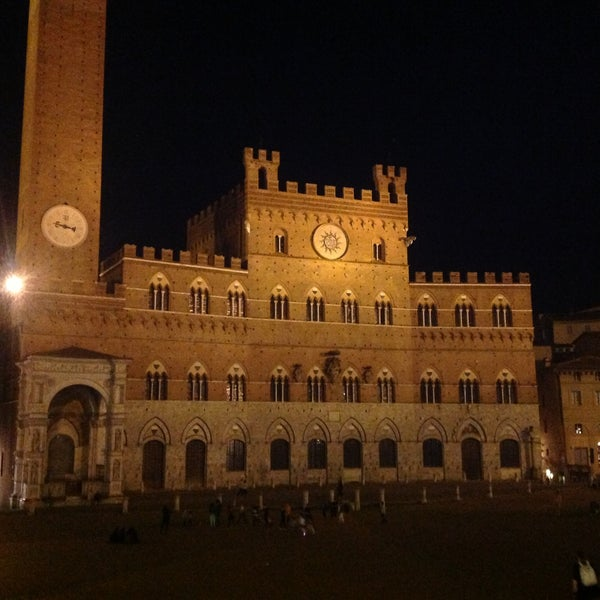Photo taken at Piazza del Campo by Luciana N. on 5/4/2013