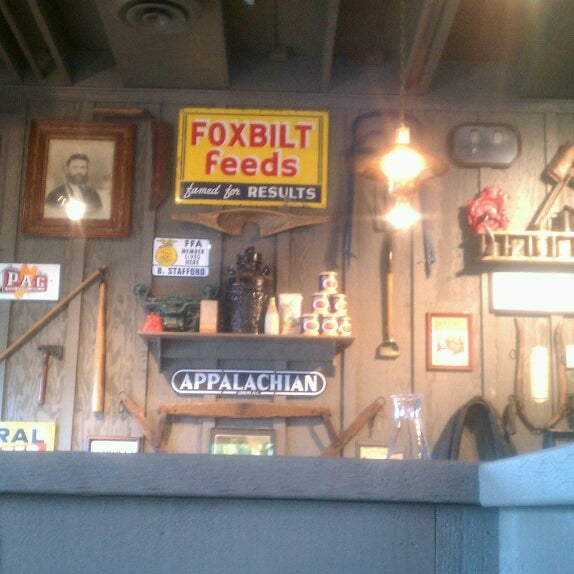 Photo taken at Cracker Barrel Old Country Store by Toni C. on 7/28/2013