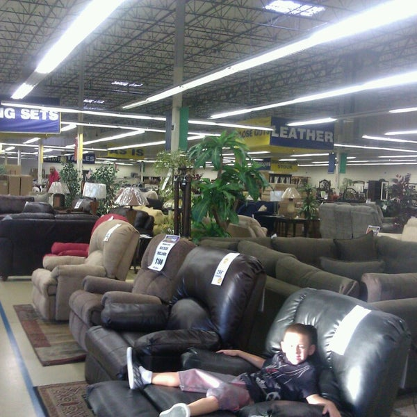 Rooms To Go Outlet Furniture Store Furniture Home Store In Grand Prairie