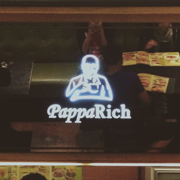 Photo taken at PappaRich by Adam A. on 1/8/2015