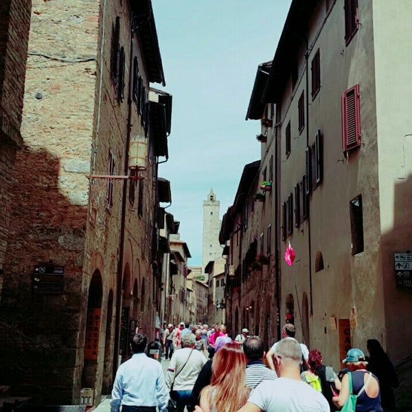 Photo taken at Siena by Fzt F. on 5/25/2016