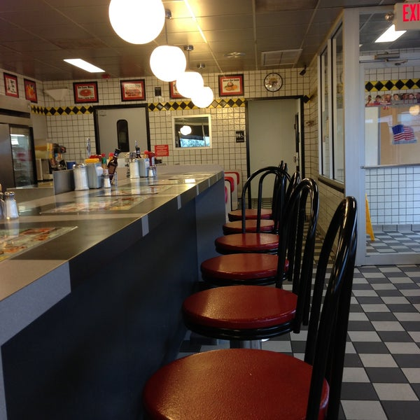 Photo taken at Waffle House by John C. on 4/17/2013