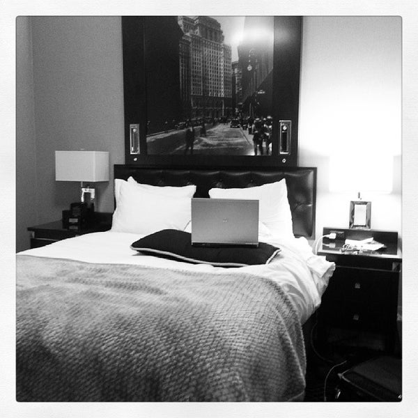 Photo taken at Algonquin Hotel Times Square, Autograph Collection by Malia O. on 10/17/2013