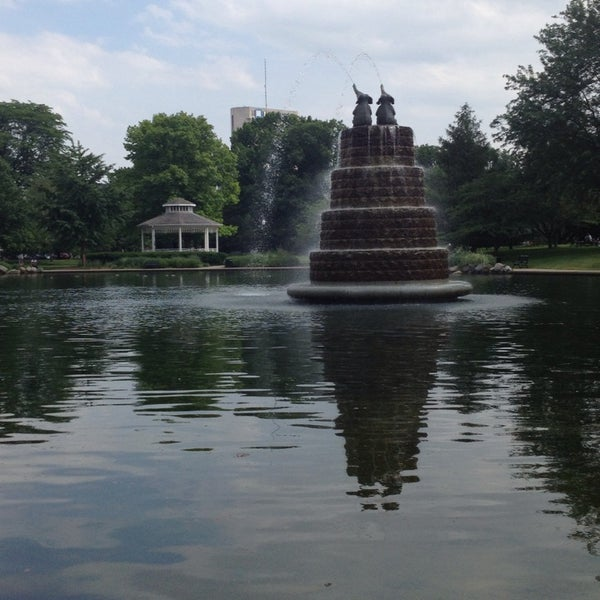 Goodale park victorian village 42 tips from 3895 visitors for Fishing ponds columbus ohio