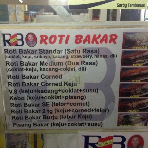 Photo taken at Roti Bakar Eddy by Albertus A. on 6/9/2013