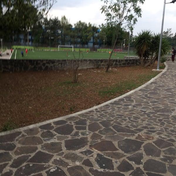 Photo taken at Parque Ecologico Huayamilpas by Luis Gönzalez on 6/8/2016