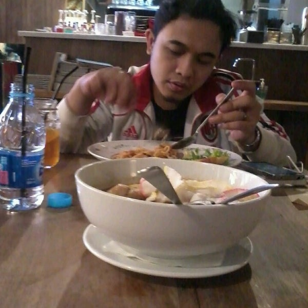 Photo taken at JAVA BEAN Coffee & Resto by Citra D. on 7/7/2013