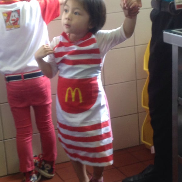 Photo taken at McDonald's by Annaleah A. on 4/13/2016