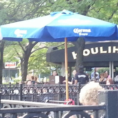 Photo taken at Houlihan's by Laurinda H. on 8/6/2013