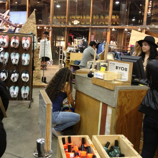 Photo taken at Urban Outfitters by Jopa M. on 1/5/2013