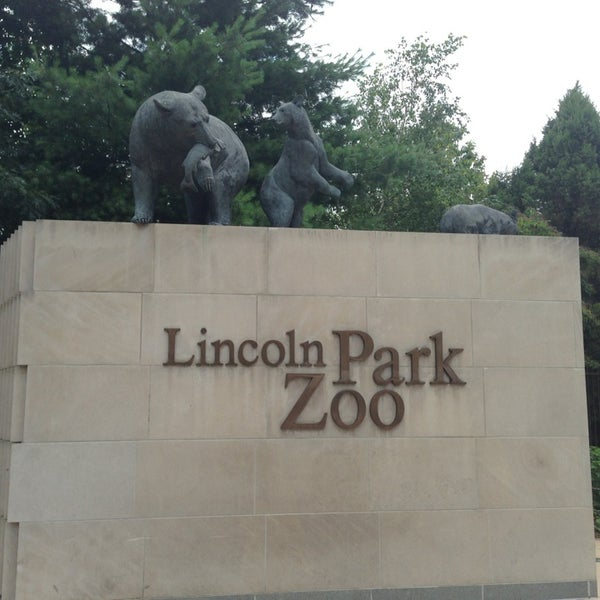 Photo taken at Lincoln Park Zoo by Curt D. on 7/29/2013