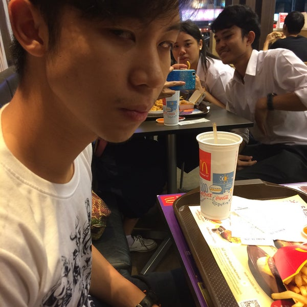 Photo taken at McDonald's by Beam on 4/27/2016