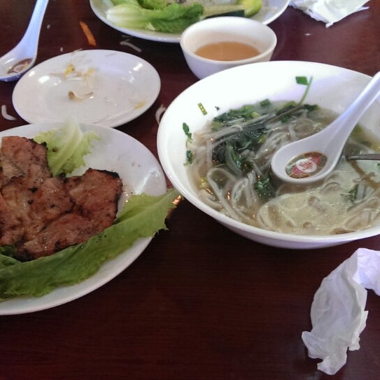 Photo taken at Pho Bac by Gordon Z. on 8/25/2013