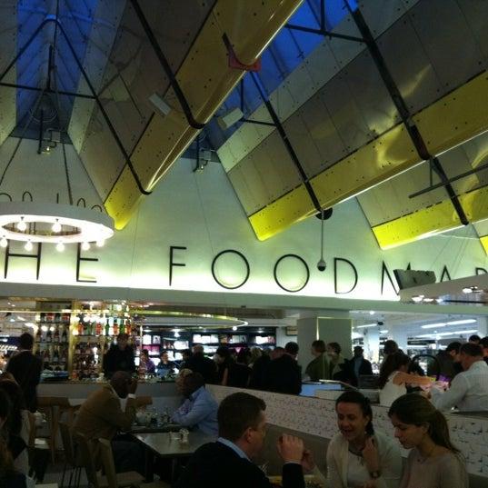 Photo taken at Fifth Floor Restaurant by Steven G. on 11/12/2011