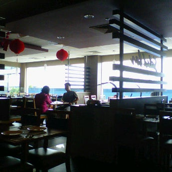 Photo taken at Pizza Hut by Adhie K. on 1/26/2012