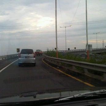Photo taken at Tol Surabaya Gresik by Bintoro R. on 1/7/2012