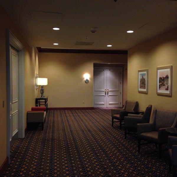 Photo taken at Sheraton Suites Houston Near The Galleria by Abdo C. on 3/6/2014