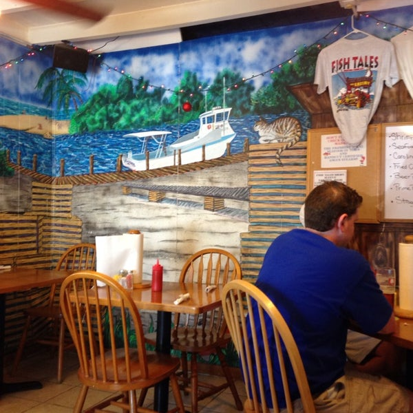 Fish tales market eatery marathon fl for Fish tales restaurant