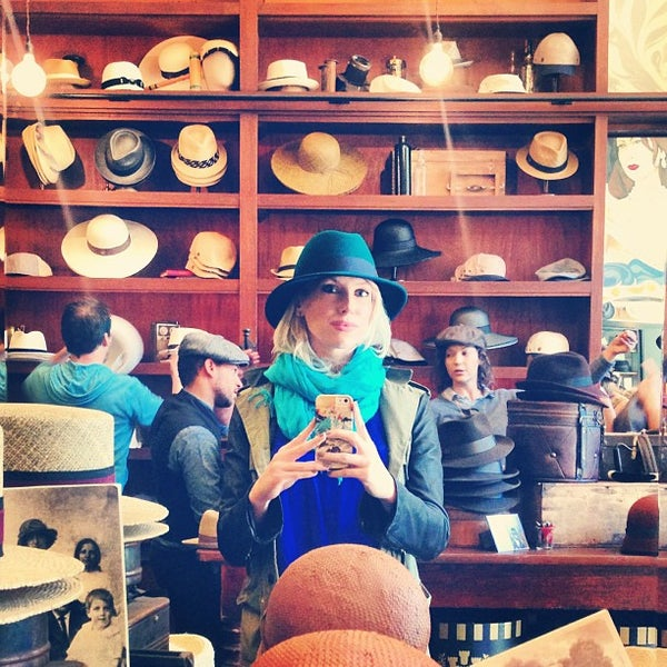 Photo taken at Goorin Bros. Hat Shop by Mary Elise Chavez on 8/24/2013