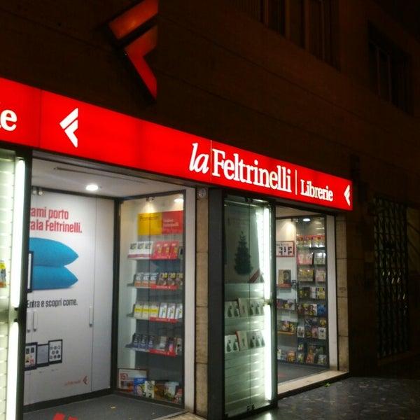 La feltrinelli bookstore in bologna for Riviste feltrinelli