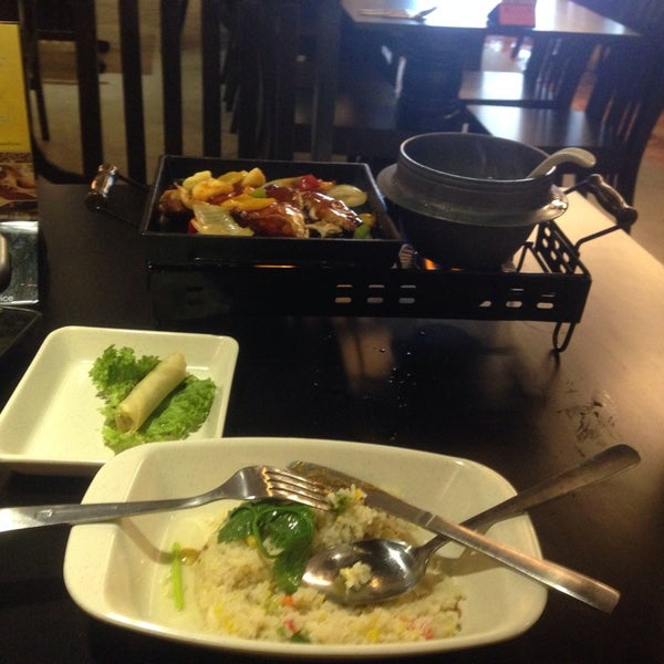 Photo taken at Soul Thai Restaurant by M R Islandz A. on 9/9/2014