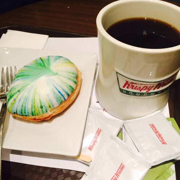 Photo taken at Krispy Kreme by Thea C. on 4/19/2014