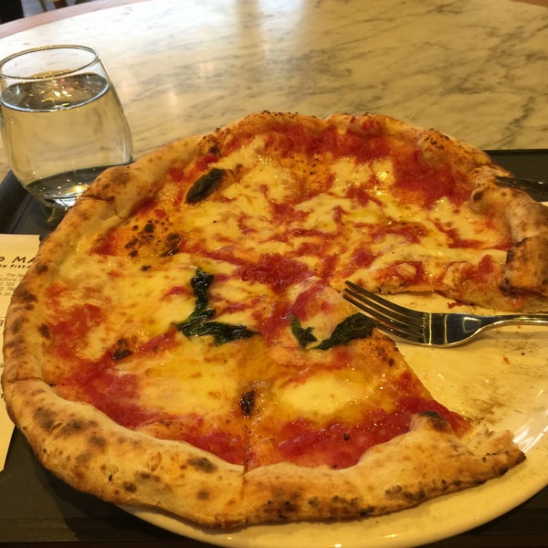 Photo taken at Franco Manca by Alfama on 5/27/2015