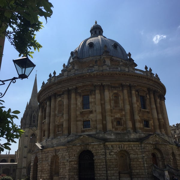 Photo taken at Radcliffe Camera by Alfama on 6/11/2015