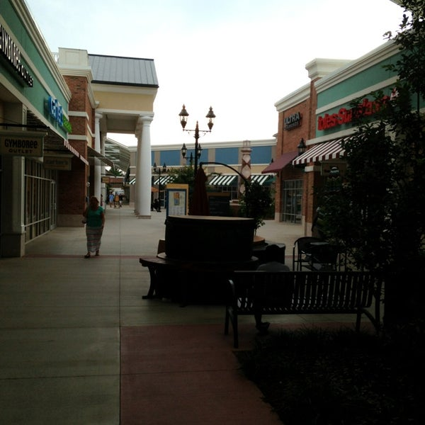 Photo taken at Mebane Tanger Outlets by Ondra S. on 8/15/2013