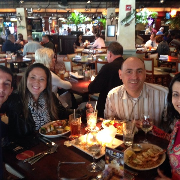 Photo taken at Pappadeaux Seafood Kitchen by Adriana C. on 2/21/2014