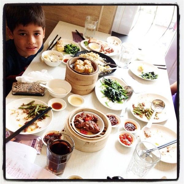 Photo taken at Crystal Jade Kitchen 翡翠小厨 by Vivian P. on 3/8/2015
