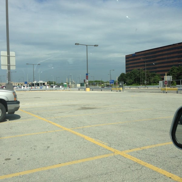 Photos At O Hare Cell Phone Lot Chicago Il