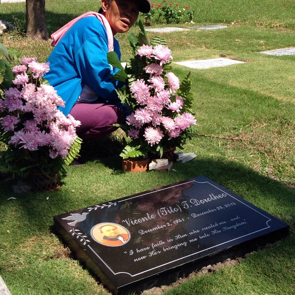 Photo taken at Manila Memorial Park by Vanessa Christine D. on 1/25/2015