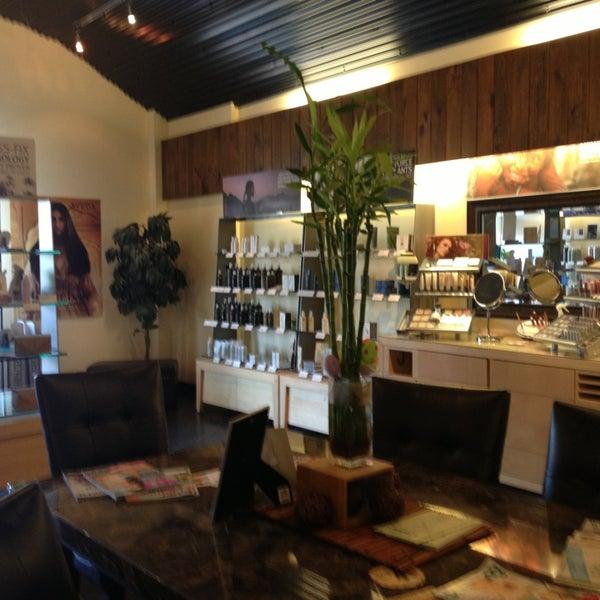 Acacia aveda salonspa 1308 vestal pkwy e for Acacia beauty salon